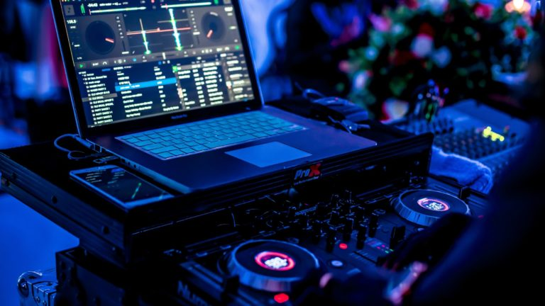 Best DJ Software for Beginners