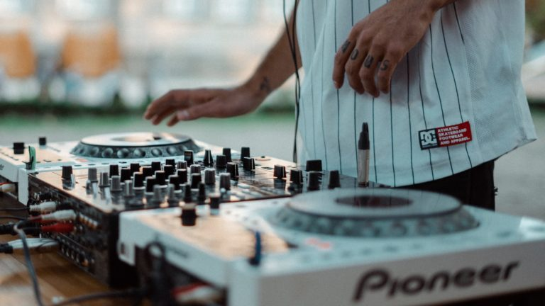How To Mix – 5 Top Tips