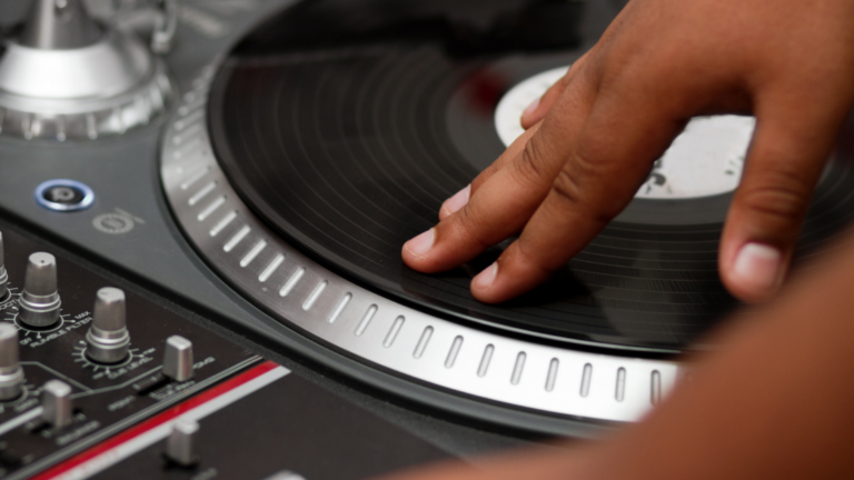 How To Scratch: Beginner DJ Tips