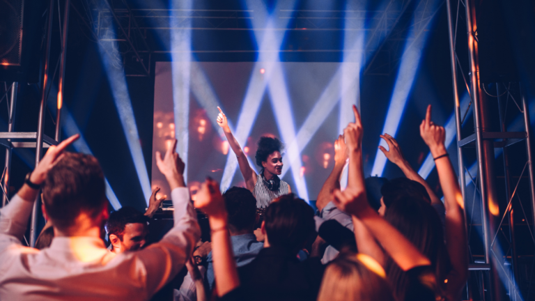 How To Read The Crowd; Be A Better DJ